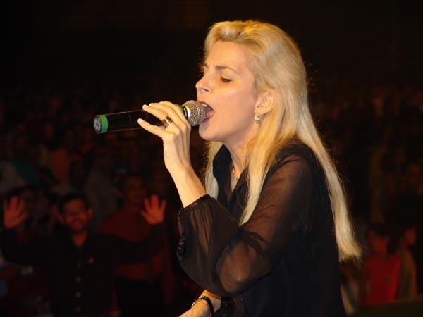 Ludmila Ferber participa do Domingão do Faustão